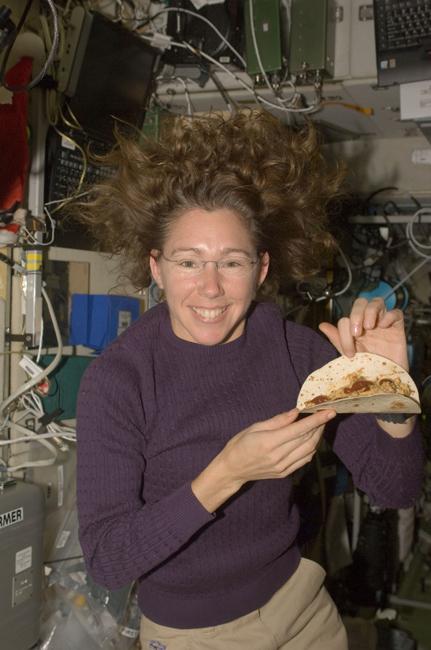 Die Erde, in der wir leben und der Raum, der die Welt ist - Seite 38 Astronaut-Sandra-Magnus